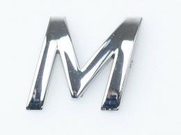 Embleem Letter M/nieuw