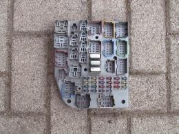 Relais-zekering unit binnen 95-98 ZJ/gebruikt
